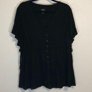 Torrid black top flutter sleeves string tie sz 2x